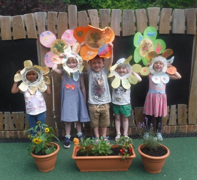 Boys & Girls Nursery Create Their Own Mini 'Royal Hampton